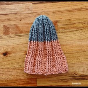 KnittyLife™️ Accessories - HANDMADE KNIT WINTER BEANIE HAT GRAY AND PINK